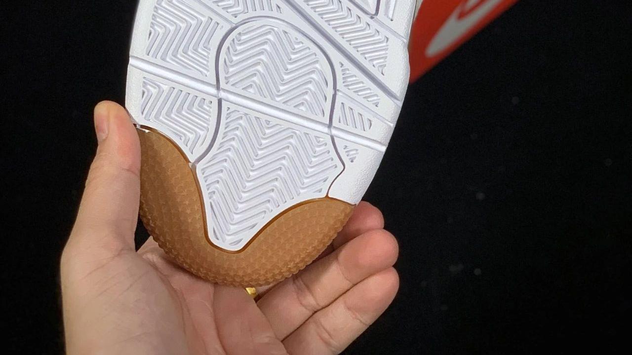 这双复古运动球鞋,太有感觉了|Air Flight 89 奶茶配色