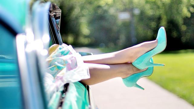 讲述高跟鞋的历史由来,最早并不是专门为女士设计的