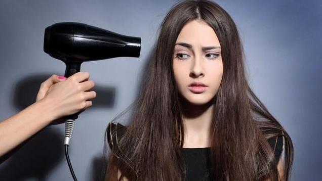 你只看到翩翩长发的美,却不知道长发的苦,立式吹风机评测