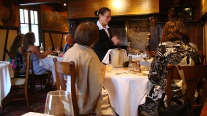在日本点一份法国菜的全餐需要多少钱?法语报价
