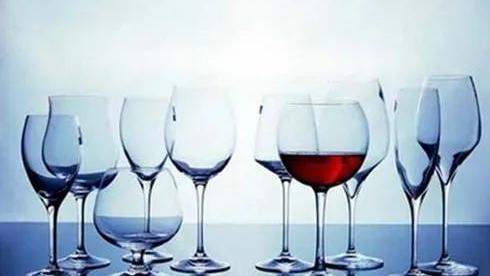 红酒知识丨如何选择合适红酒酒杯?