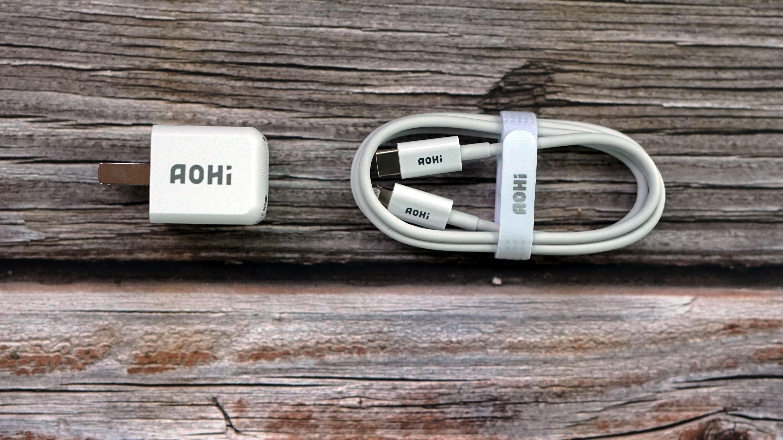 又小又快又安全,专为Iphone12设计Aohi 20W快充充电头评测