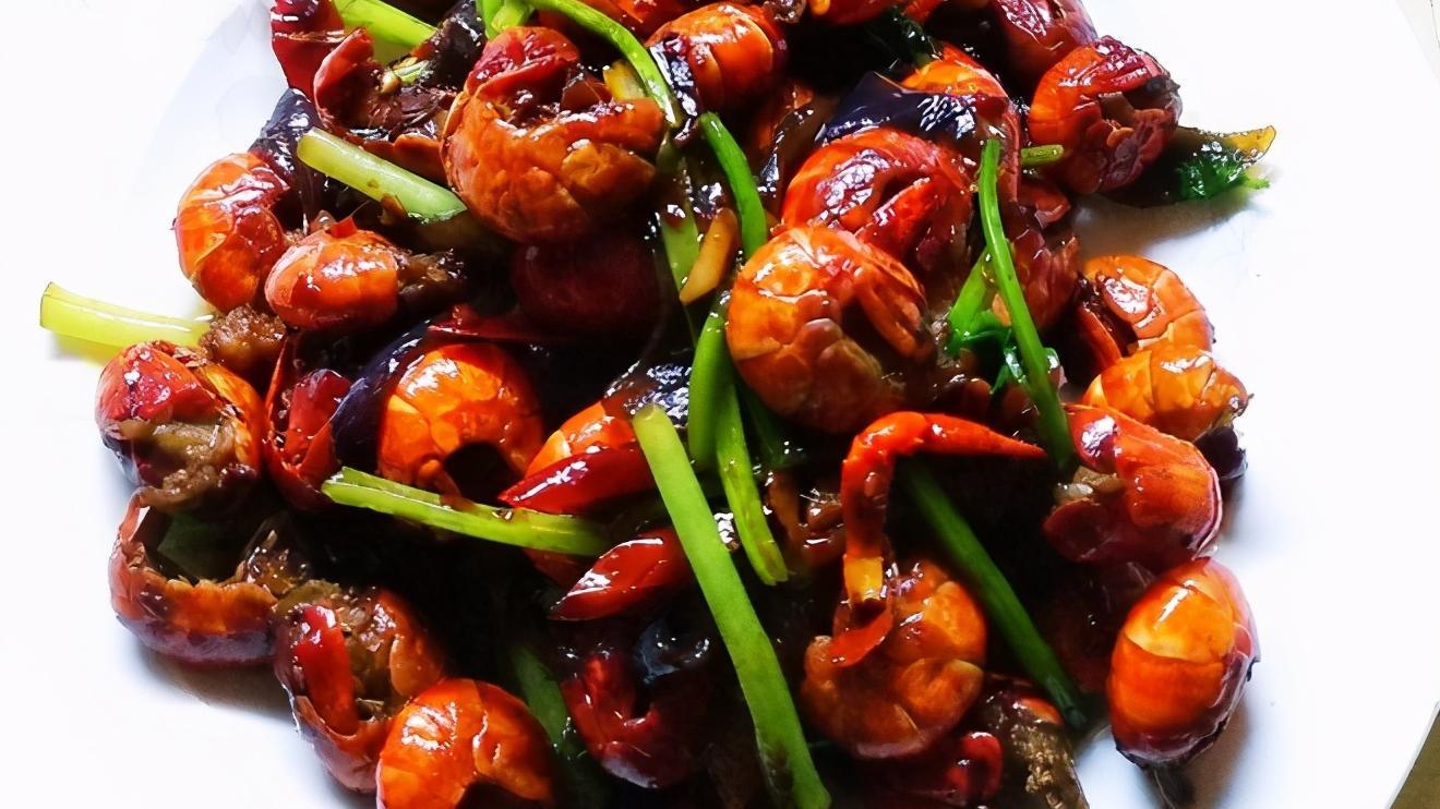 口味龙虾完爆你的味蕾,陪你狂欢整个夏日!