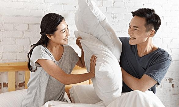 该如何培养夫妻之间的感情