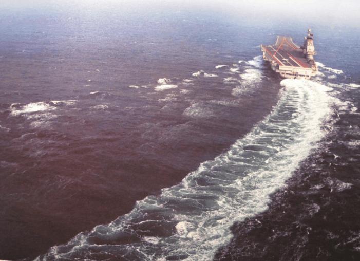 光谱号甲板平面图