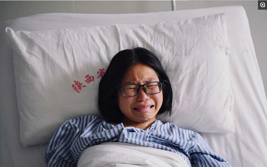 """胎儿遗传妈妈的""""企鹅病"""" 近6个月被引产仅手掌大小图片"""