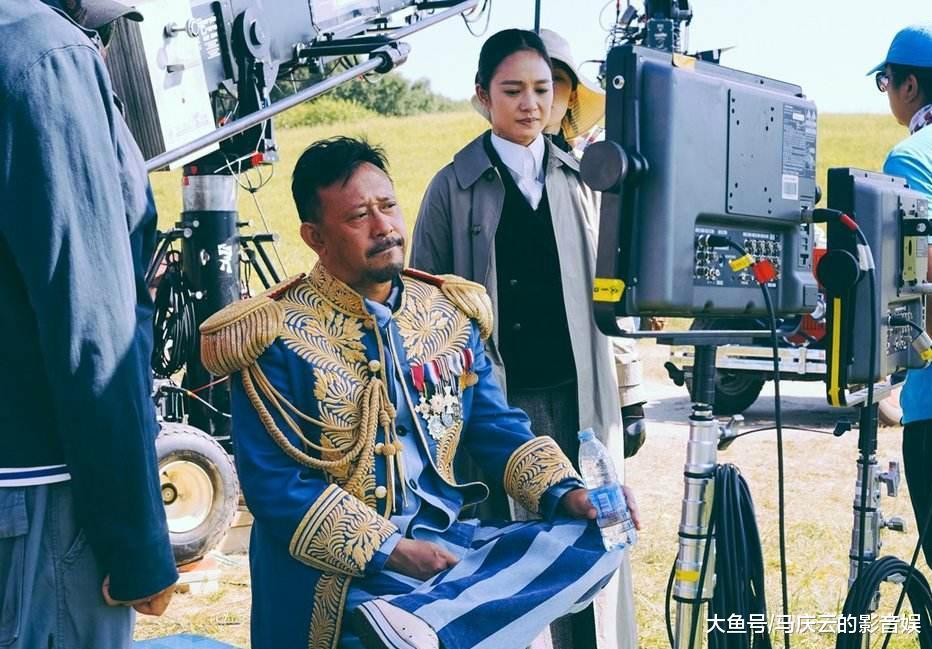 《邪不压正》里边的姜公公影射谁, 影评人相声前辈还是姜文自己