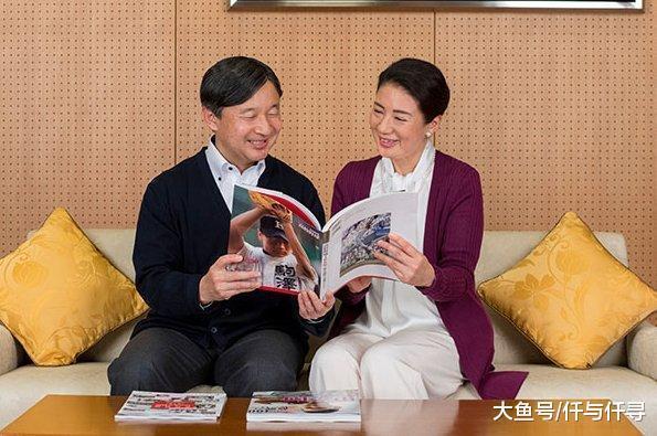 日本准天皇夫妇发布官宣庆太子妃55岁生日,狗子成功抢镜成最幸福王室成员