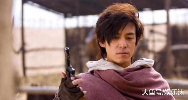 """王思聪都惹不起的""""黑二代"""", 向华强对他毕恭毕敬!"""
