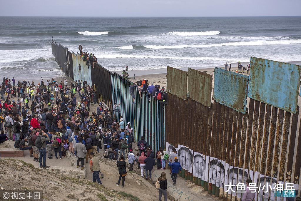 美军获准在边境开枪, 墨西哥黑帮组织千人准备反击, 移民陷入两难