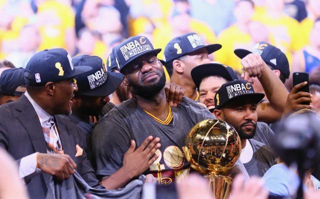 NBA四年夜具有世界级影响力的巨星! 科比算一个, 库里杜兰特皆出戏