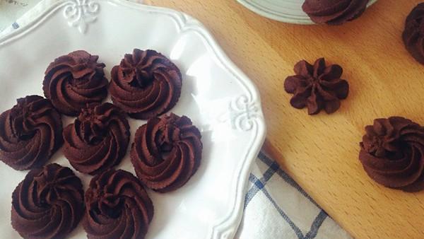 烘焙师傅来教你: 焦糖坚果可可酥饼, 这样子做简单又好吃