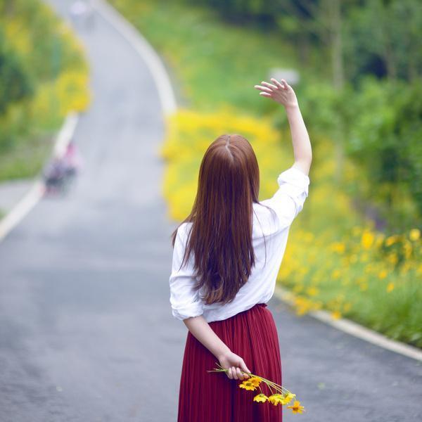 只有执着追求并从中得到最大快乐的人, 才是成功者
