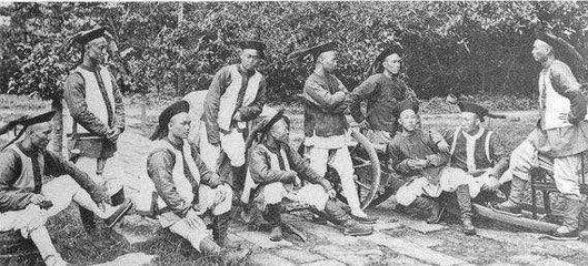 宁靖天国本是要推翻谦族政权, 为何汉人却那么主动的镇压他们?