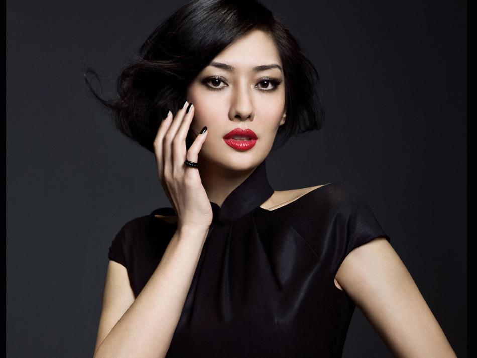 她是《神雕侠侣》中的李莫愁, 被前男友骗光财产, 转身嫁十亿富豪