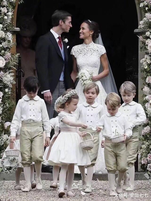 凯特王妃妹妹产后俩月再穿八百块棉衣出街,换双鞋子最少减龄10