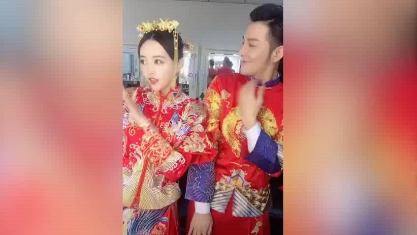 新郎新娘合跳最火拍灰舞, 颜值超高跳得也好!