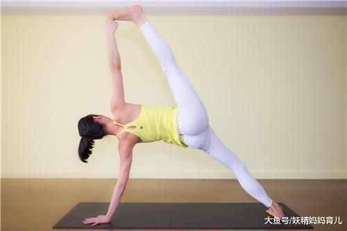 产后恢复瘦大腿, 这3式瑜伽不得不做, 让你找回筷子腿