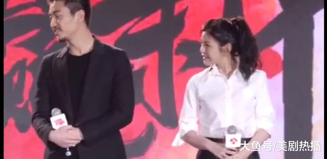 陈晓陈妍希罕见同框, 全程微笑心情好! 网友: 两口子太低调了!