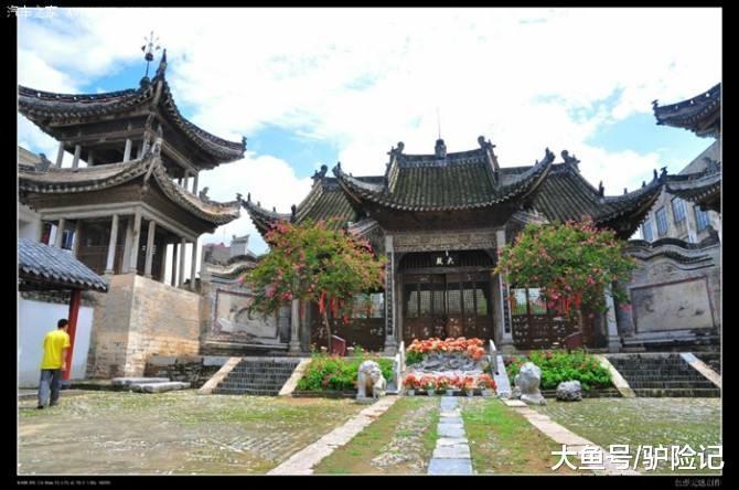 """中国""""最小""""城镇, 独一一个高出三个省的城镇, 集个步皆能到其他省"""