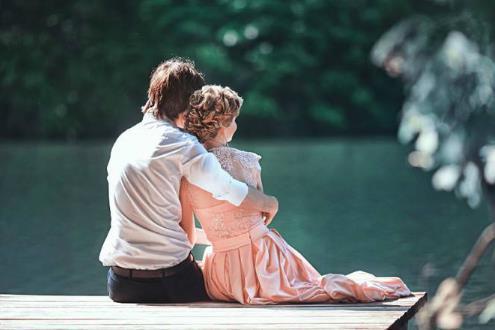 男人和女人情到深处, 忍不住会做六件事!