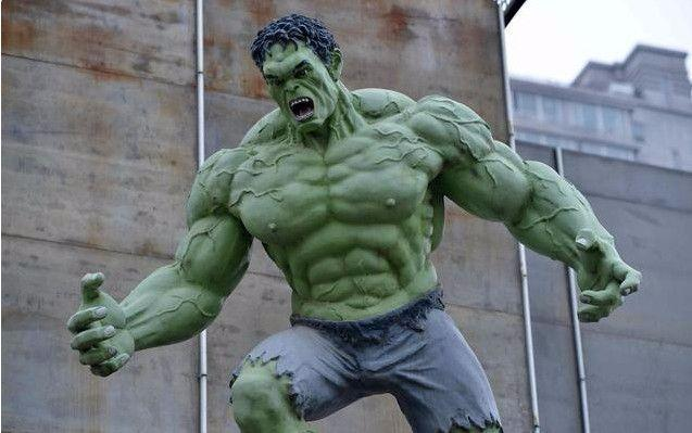 """男子每日两斤白酒, 喝了50年, 喝出一个""""绿巨人""""!"""