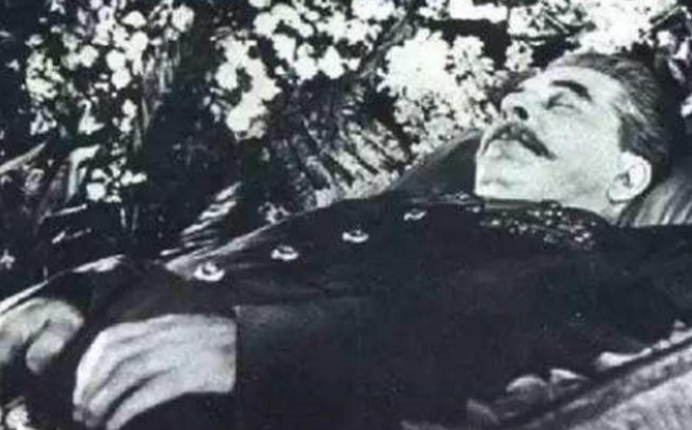 斯大林去世后8年, 遗体从列宁墓移出, 改葬到了此处