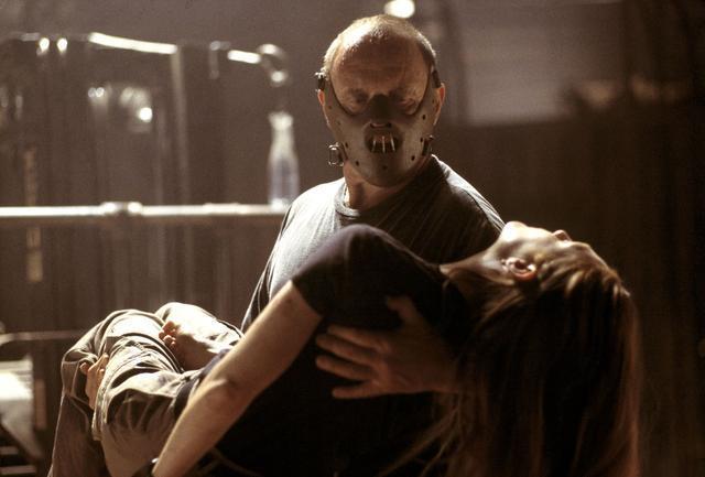 这十大恐怖惊悚题材电影有两个结局, 你更喜欢哪一个