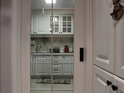 """厨房装""""门""""选这种, 采光好, 清洗不费事!"""