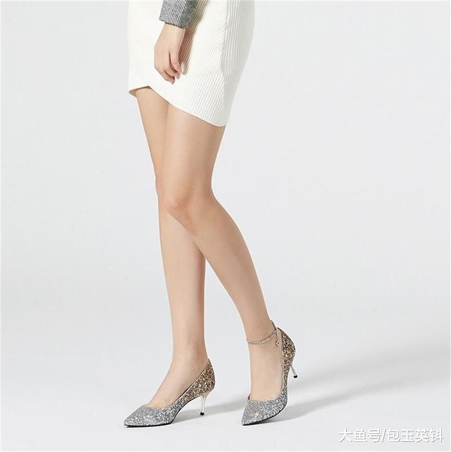 尖头高跟鞋经典优雅,细高跟短靴,展现女人高贵的气质