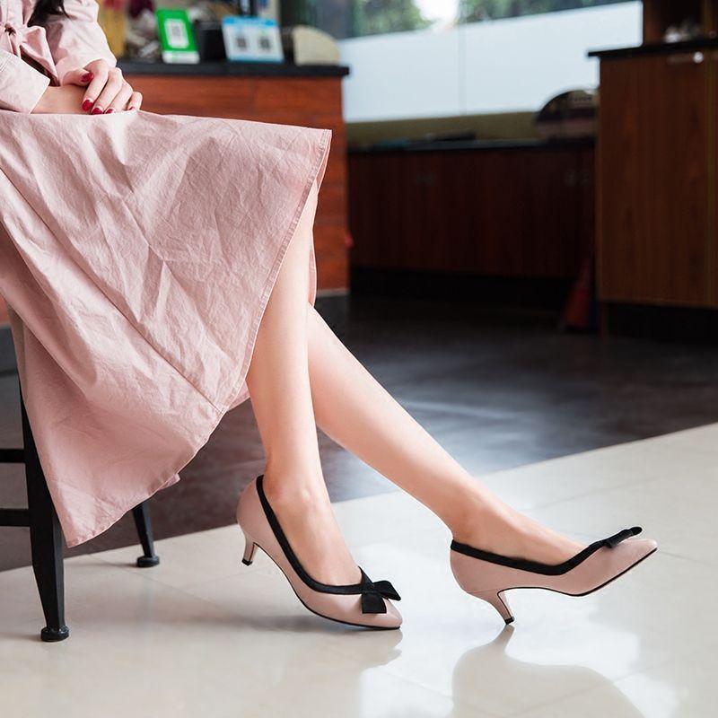 尖头的经典设计, 纤细的细高跟, 散发出优雅的女人味