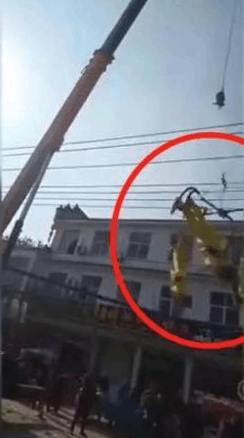 河南4名杂技演员演出途中从高空坠落 警方机构已介入调查