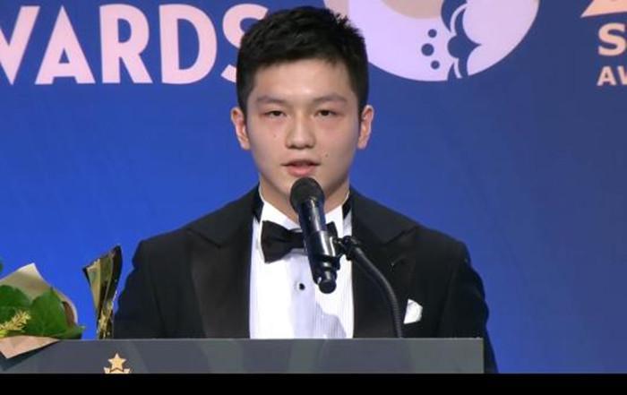 韩国司机又出错误! 樊振东差面迟到, 国乒三年夜世界冠军获年度年夜奖
