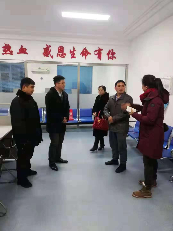 鞍山三名熊猫血志愿者连夜奔赴丹东去救人