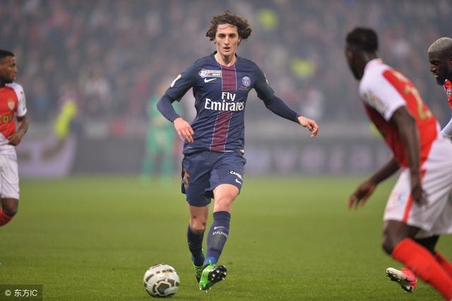巴黎高层炮轰巴萨: 暗里接触球员实荒诞 对推比奥特报价低的不幸