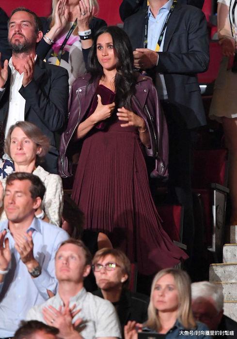 """皇室风格""""惊现""""皮革造型!戴安娜搭配真惊艳,凯特王妃最朴实!"""