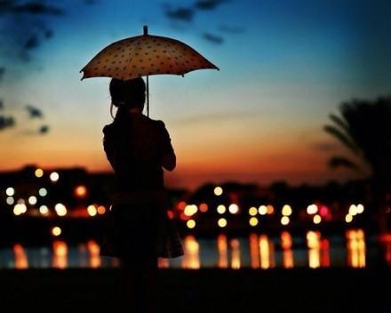 半夜一个人哭泣的说说, 痛到骨子里, 送给为爱受伤的你!