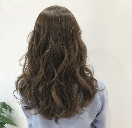 """2019烫发就选""""温婉烫"""", 很适合中长发的女生!图片"""