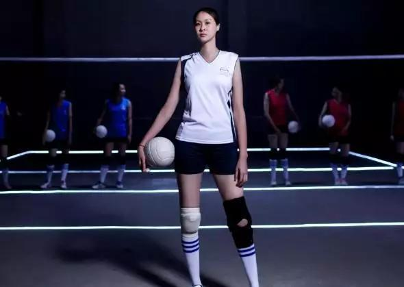 排球女神36岁仍独身只身, 穿高跟鞋吓跑相亲工具!