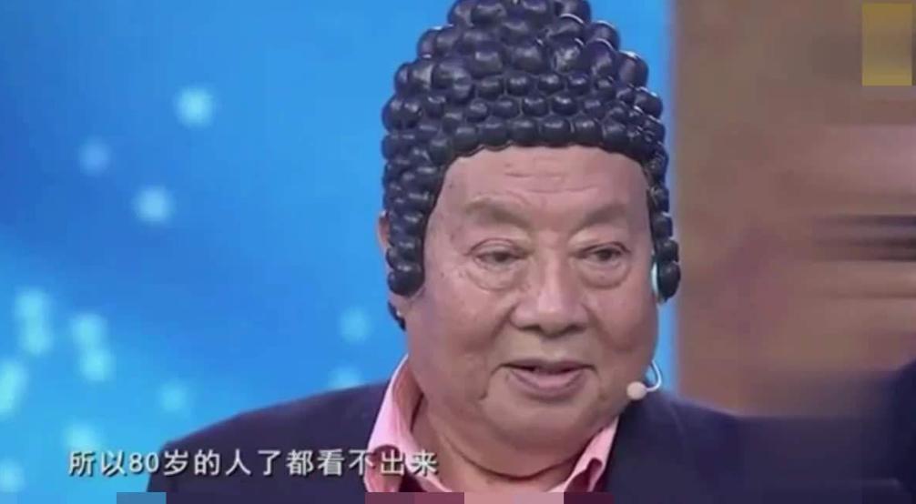 他是如来佛的扮演者, 去泰国买佛像, 发现上面画的是自己图片