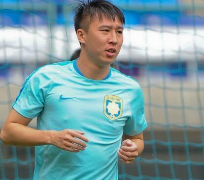 他本来是苏宁旌旗性人物 为高薪转会至今让苏宁球迷无法放心