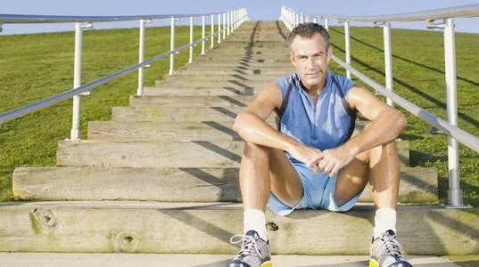 """男人45-60岁是""""养寿期"""", 这6个好习惯, 再不"""