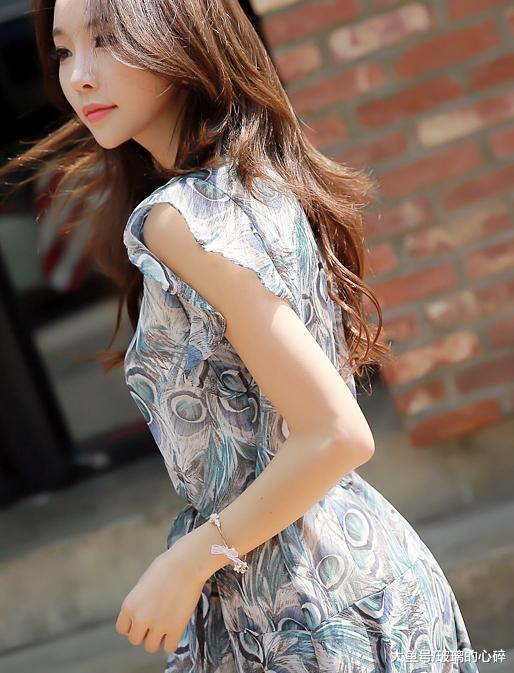 潮拍:洋气又显瘦的连衣裙,彰显女性优雅魅力做个美丽女人