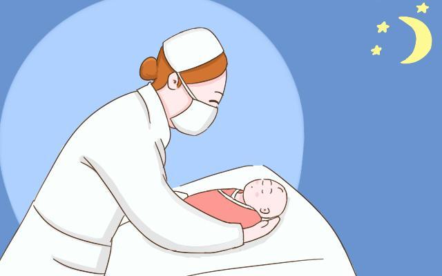 刚生完宝宝的第一个晚上, 家人的表现让宝妈们有暖心, 也有心酸