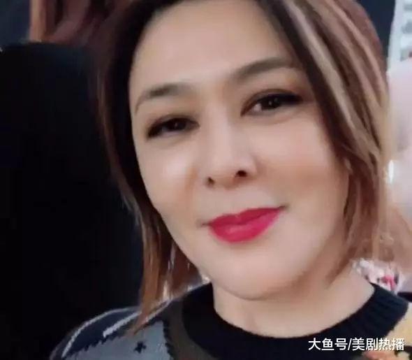 刘德华曾说想娶她, 现今56岁自拍肌肤如少女, 不愧为不老女神!