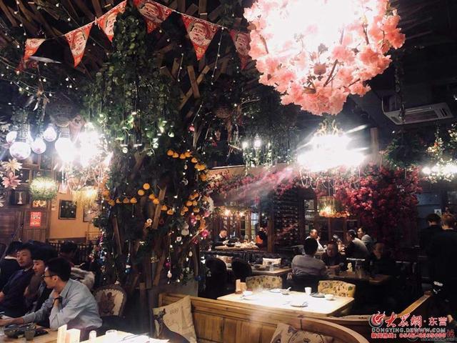 《东营美食地图》第六十一期走进渔歌唱晚音乐酒馆 不一样的川菜音乐酒馆