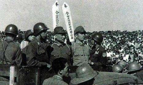 该国曾扬言要天皇陪葬, 处死日军20万战俘, 如今却和日本成了兄弟