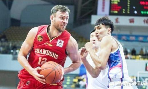 本年最不利的中国篮球队, 赛季还出过半, 两位中援齐皆受伤了