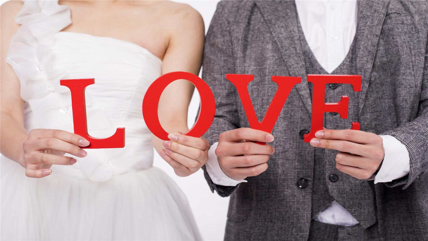 哪些表现, 可以看出男人是爱你, 而不是喜欢你?