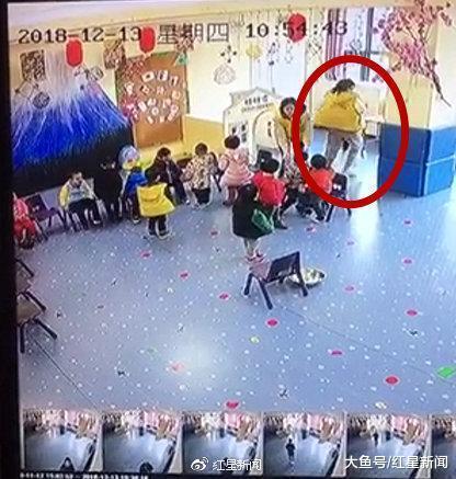 湖南一幼师监控死角内体罚儿童 园方: 已开除体罚、未制止体罚的教师